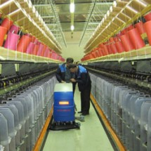 factory-corridor-scrubber کاربرد دستگاه زمین شوی صنعتی در صنایع نساجی
