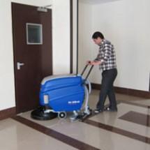 schools-and-universitys-scrubber-dryer زمین شوی مدارس و مراکز دانشگاهی