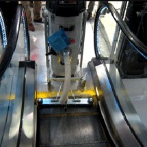 escalator-washer جاروبرقی صنعتی برای نظافت پله برقی