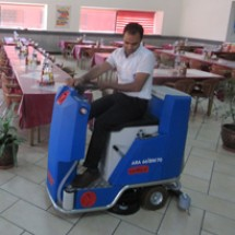 restaurant-ride-on-scrubber کف شوی سرنشین دار رستوران ها