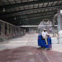 warehouses-floor-cleaning زمین شوی انبار ها