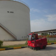 petrochemical-factrories-sweeper جاروب محوطه ای کارخانه جات پتروشیمی