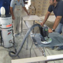 collecting-filings-by-industrial-vacum خدمات جمع آوری براده و پلیسه