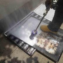 washing baking trays ultra high pressure washer شستشوی سینی پخت نان با واترجت صنعتی