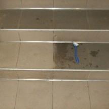 avoid slipping the surface with detergents جلوگیری از لغزندگی سطوح با مواد شوینده