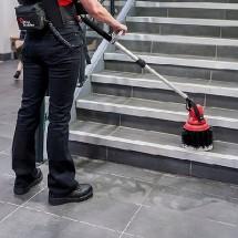 rinsing terminal steps with multi-purpose scrubber شستشوی پله های پایانه با اسکرابر چندمنظوره