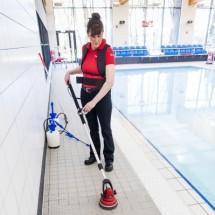 pool cleaning with motor scrubber نظافت استخر با اسکرابر چند منظوره