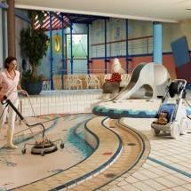cleaning hotel pool industrial pressure washer نظافت استخر هتل با واترجت صنعتی