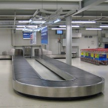 cleaning airport conveyor vacuum cleaner نظافت نوار نقاله فرودگاه