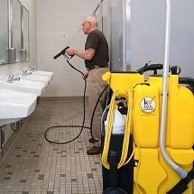 restroom no touch cleaning نظافت سرویس بهداشتی با اسپری مکش پرفشار