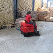 cement warehouse cleaning by industrial floor swee نظافت انبار سیمان با سوییپر