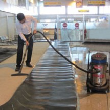 aircraft-industry-vacuum-cleaners دستگاه جاروبرقی در صنعت هواپیمایی