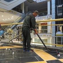 shopping mall vacuum cleaner نظافت مراکز تجاری با دستگاه جاروبرقی