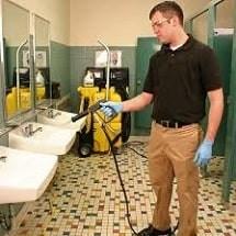 cleaning rest room spray extractor/vac نظافت سرویس های بهداشتی با دستگاه اسپری مکش