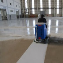 airports-waiting-room-and-hangars-scrubber-dryer کف شوی سالن انتظار و آشیانه