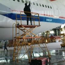 airplanes-high-pressure-washer شستن بدنه هواپیما با کارواش صنعتی