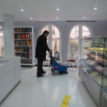 scrubber-dryer-for-confectionaries زمین شوی قنادی ها