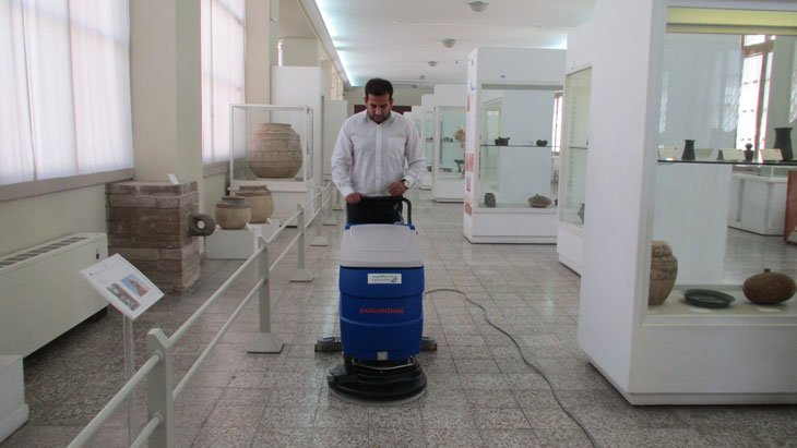 دستگاه شستشوی کف موزه و مراکز علمی