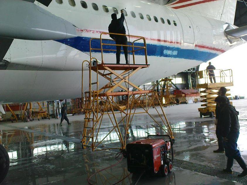 شستن هواپیما ، شستن بدنه هواپیما ، شستشوی هواپیما