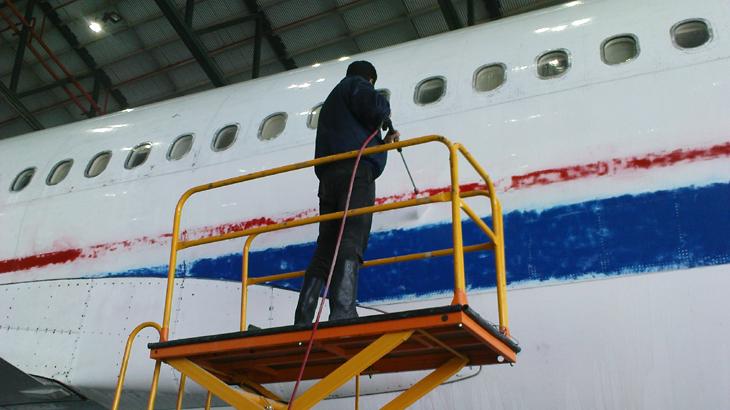 شستن هواپیما ، شستن بدنه هواپیما با واترجت صنعتی ، شستشوی هواپیما